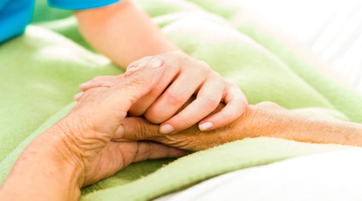 Justiça assegura a idoso continuidade de tratamento de saúde domiciliar